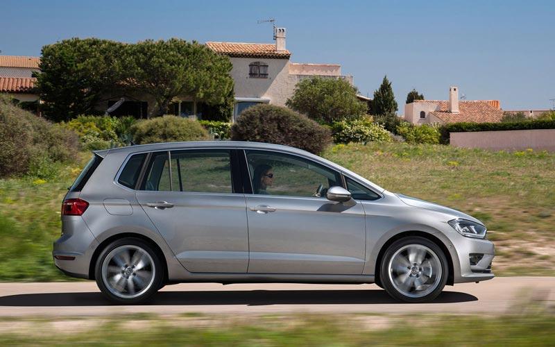Фото Volkswagen Golf Sportsvan  (2014-2016)
