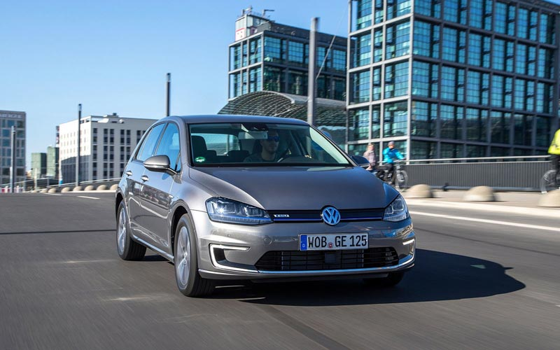 Фото Volkswagen e-Golf  (2013-2016)