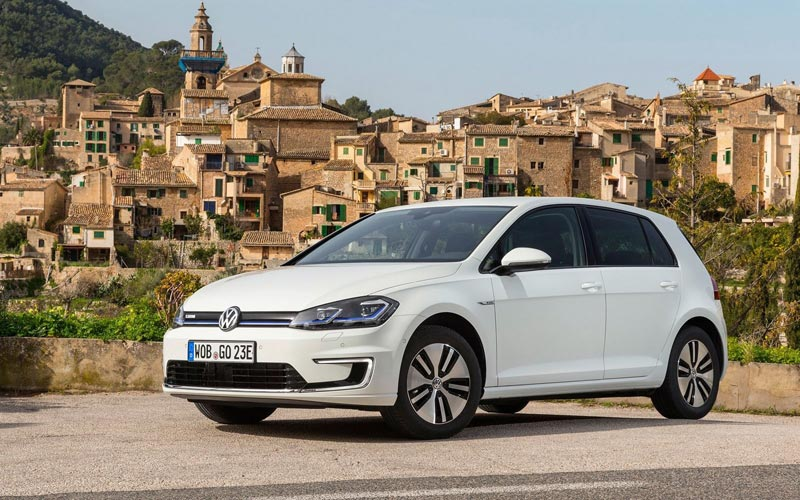 Фото Volkswagen e-Golf
