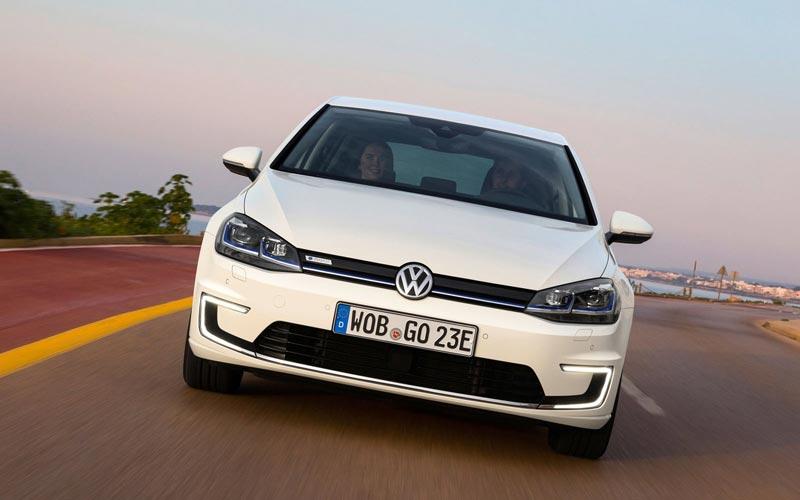 Фото Volkswagen e-Golf