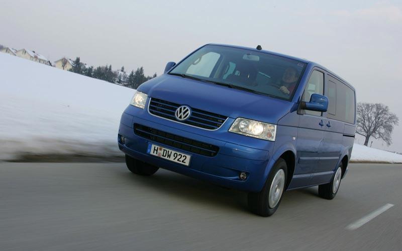 Фото Volkswagen Multivan  (2003-2010)