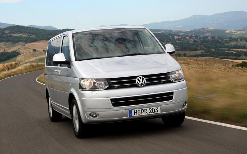 Фото Volkswagen Multivan  (2010-2015)