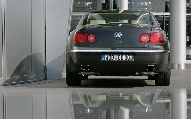 Фото Volkswagen Phaeton  (2008-2010)
