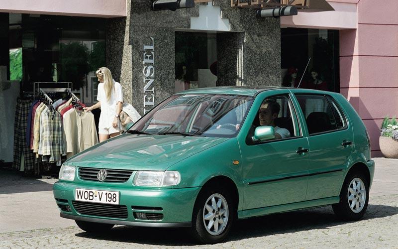 Фото Volkswagen Polo  (1994-1998)