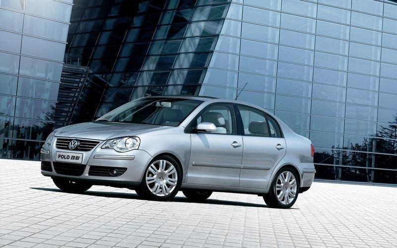Фото Volkswagen Polo Sedan  (2006-2010)