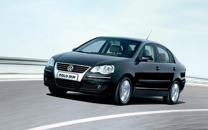 Фото Volkswagen Polo Sedan  (2006-2010)
