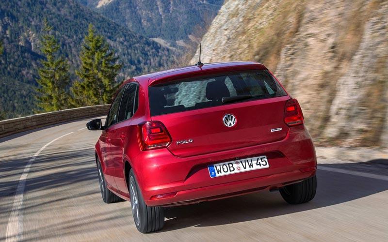 Фото Volkswagen Polo  (2014-2017)