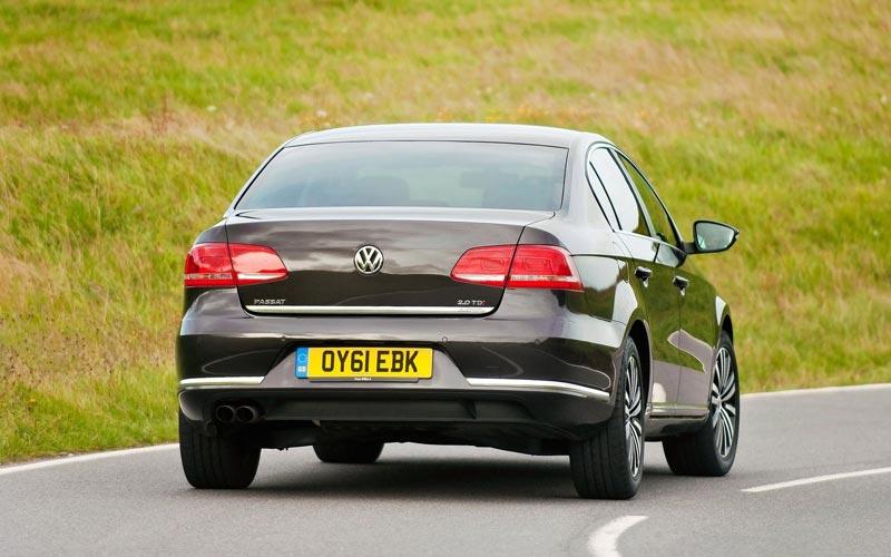 Фото Volkswagen Passat  (2011-2015)