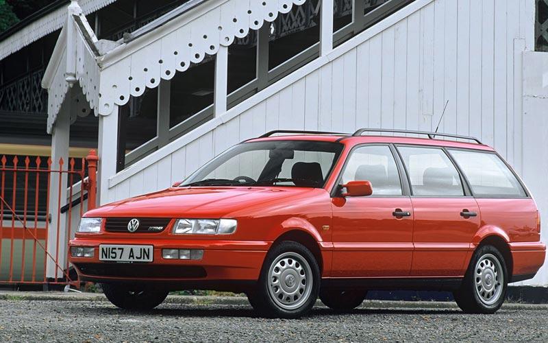 Фото Volkswagen Passat Variant  (1993-1996)