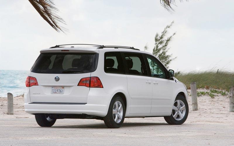 Фото Volkswagen Routan