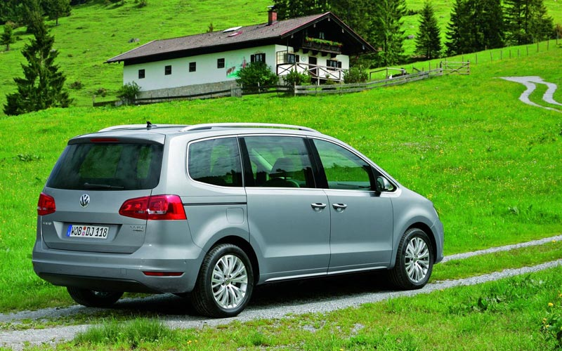 Фото Volkswagen Sharan  (2010-2015)