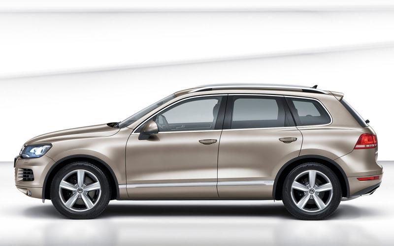 Фото Volkswagen Touareg  (2010-2014)