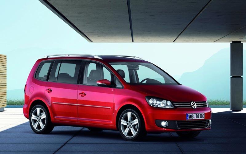 Фото Volkswagen Touran  (2010-2015)