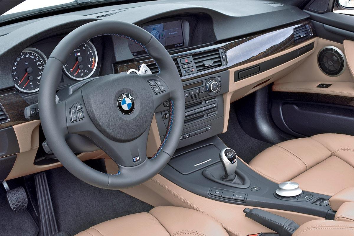Интерьер салона BMW M3 Convertible (2008-2009). Фото салона BMW M3 ...