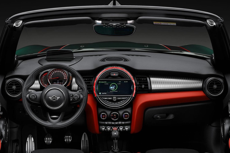 интерьер салона Mini Cabrio John Cooper Works фото салона Mini