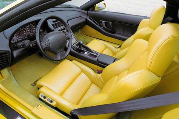 Интерьер салона Acura NSX