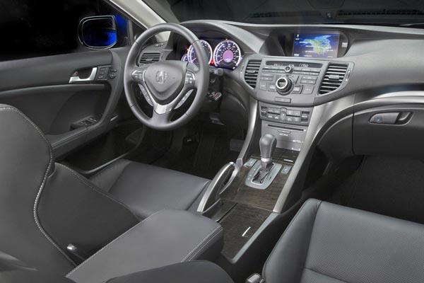 Интерьер салона Acura TSX Sport Wagon