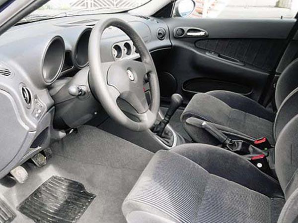 Интерьер салона Alfa Romeo 156 Sportwagon