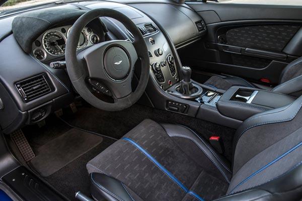 Интерьер салона Aston Martin Vantage GTS
