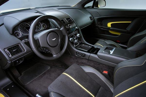 Интерьер салона Aston Martin V12 Vantage S
