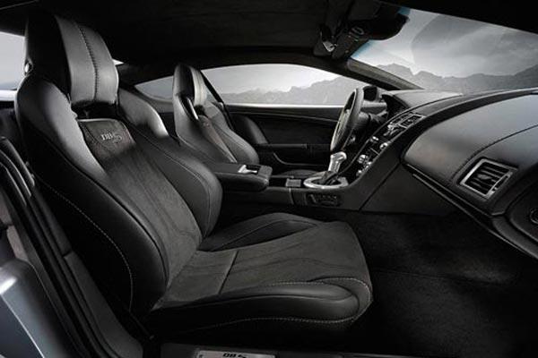 Интерьер салона Aston Martin DBS