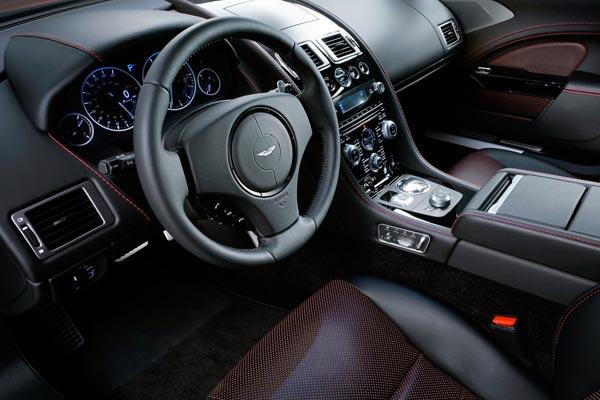 Интерьер салона Aston Martin Rapide