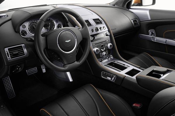 Интерьер салона Aston Martin Virage
