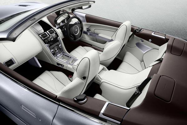 Интерьер салона Aston Martin Virage Volante