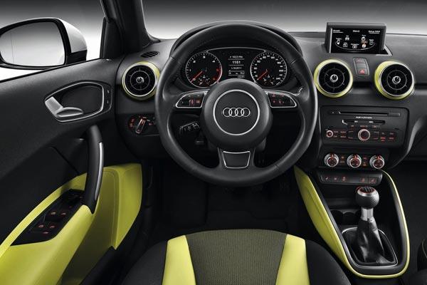Интерьер салона Audi A1 Sportback