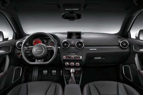 Интерьер салона Audi A1 quattro