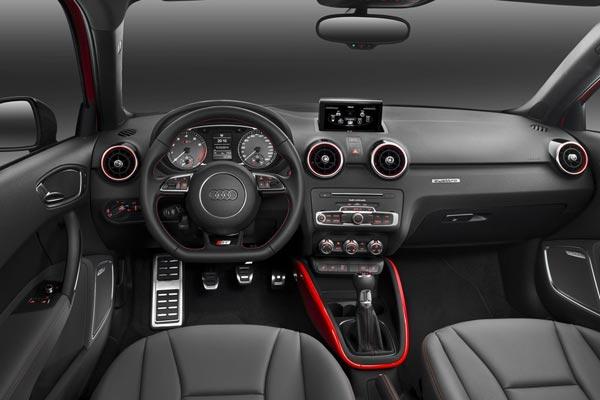 Интерьер салона Audi S1