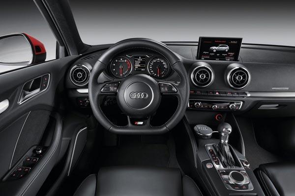 Интерьер салона Audi A3 Sportback