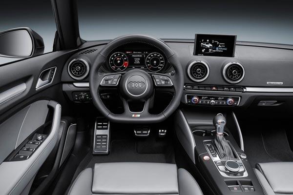 Интерьер салона Audi S3 Cabrio