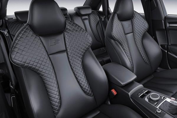 Интерьер салона Audi S3 Sedan