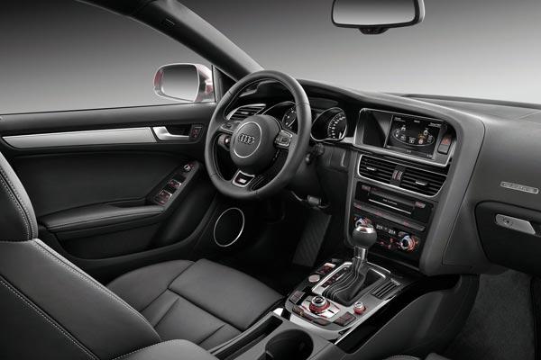 Интерьер салона Audi S5 Sportback
