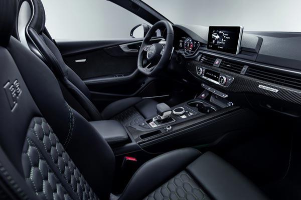 Интерьер салона Audi RS5 Sportback
