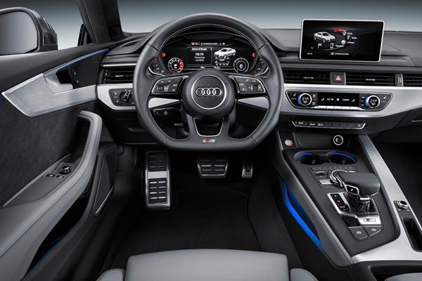 Интерьер салона Audi S5