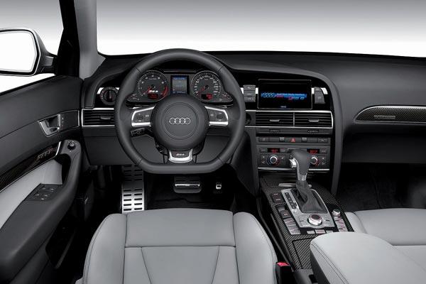 Интерьер салона Audi RS6