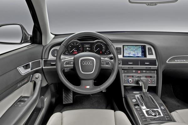 Интерьер салона Audi S6 Avant