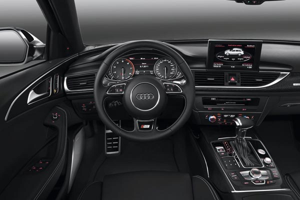 Интерьер салона Audi S6