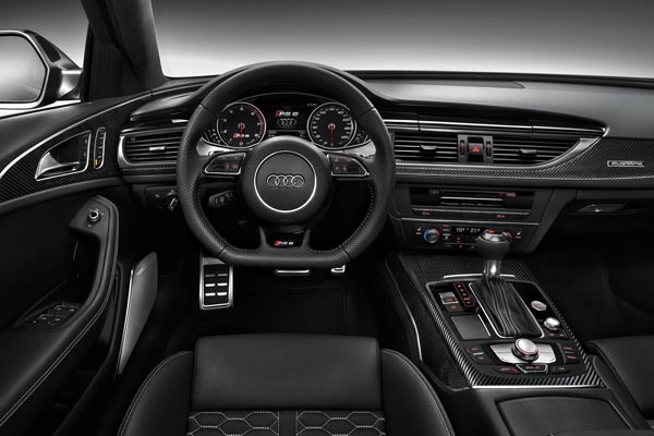 Интерьер салона Audi RS6 Avant