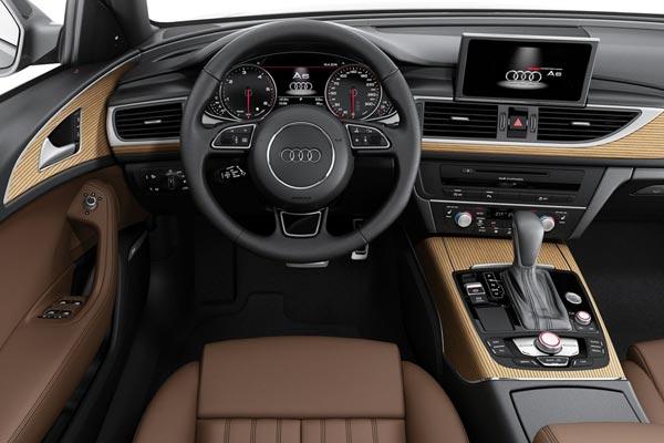 Интерьер салона Audi A6 Avant