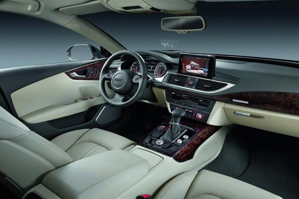 Интерьер салона Audi A7