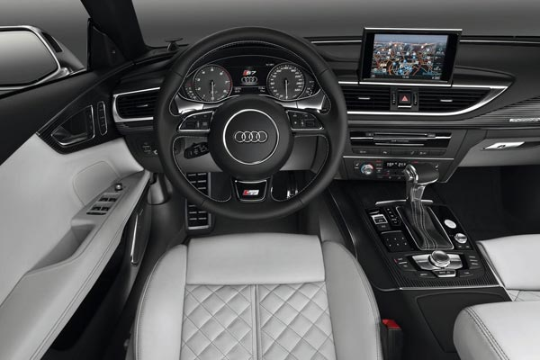 Интерьер салона Audi S7