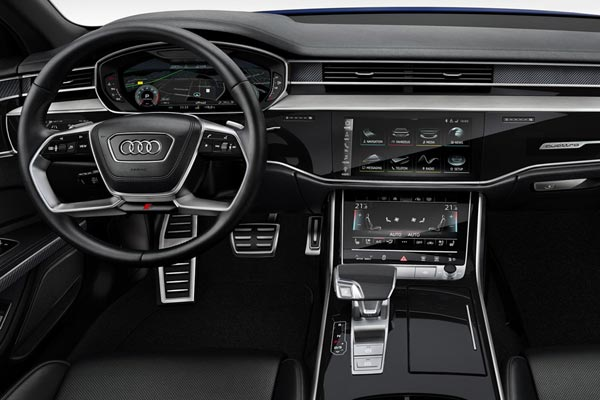 Интерьер салона Audi S8