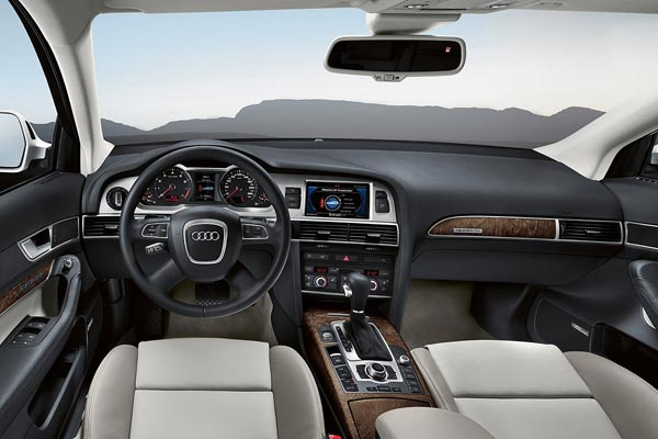 Интерьер салона Audi Allroad Quattro