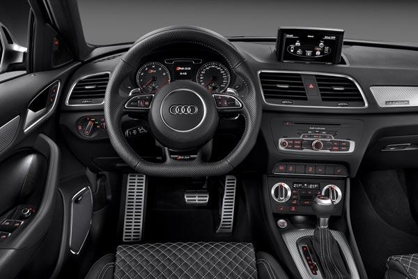 Интерьер салона Audi RS Q3