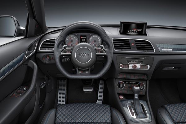 Интерьер салона Audi RS Q3 perfomance