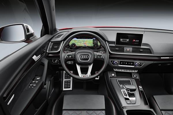 Интерьер салона Audi SQ5
