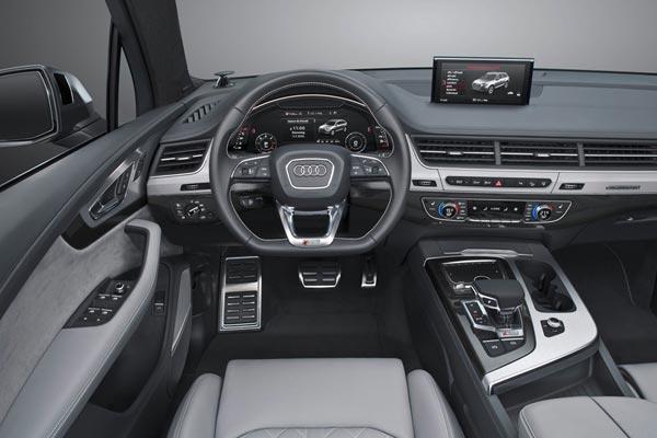Интерьер салона Audi SQ7